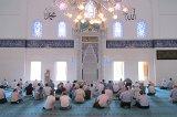 Mescitte ve camide dünyevi işlerden konuşmanın hükmü nedir?